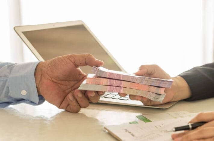 Как закрыть задолженность по кредиту приставы заблокировали счет что делать